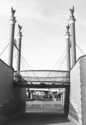 00543 Cincinnati Gateway.jpg