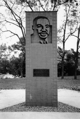 OOSI_DrMartinLutherKingJrMonument_Paul_Arnold.jpg