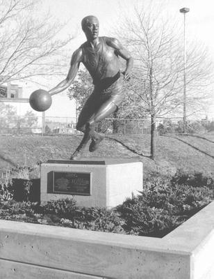 00470 Oscar Robertson Memorial.jpg