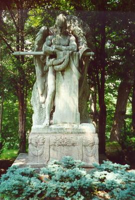 00097 John Hay Monument.jpg