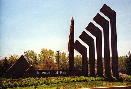 00444 International Park Sign.jpg