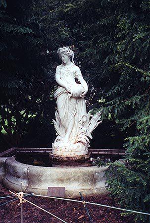 00425 Grecian Lady.jpg