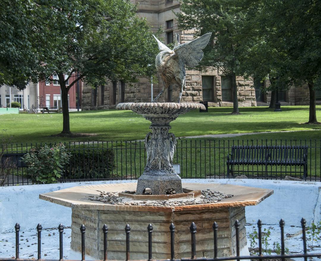 bird fountain 1.jpg