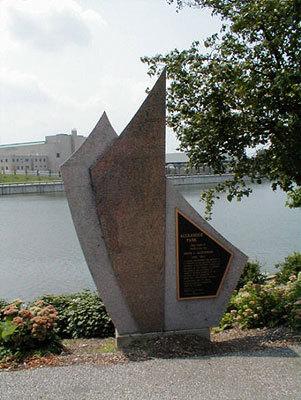 00663 Arvin J Alexander Memorial.jpg